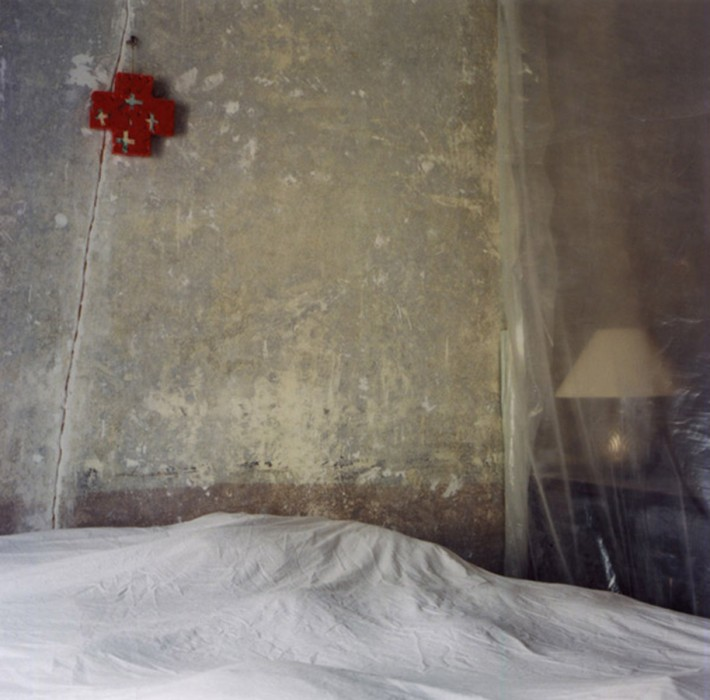 cross-above-bed-b